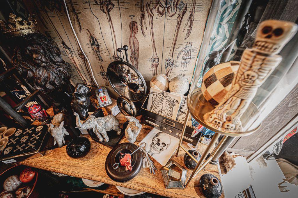 Objets de curiosité, décoration et ameublement à Périgueux